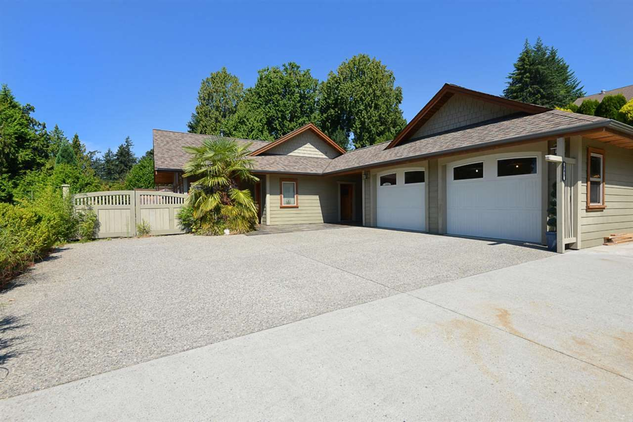 Photo 2: Photos: 505 MAPLE Street in Gibsons: Gibsons & Area House for sale (Sunshine Coast)  : MLS®# R2293109