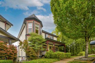 """Photo 1: 4397 ATWOOD Crescent in Abbotsford: Abbotsford East House for sale in """"Auguston"""" : MLS®# R2579799"""