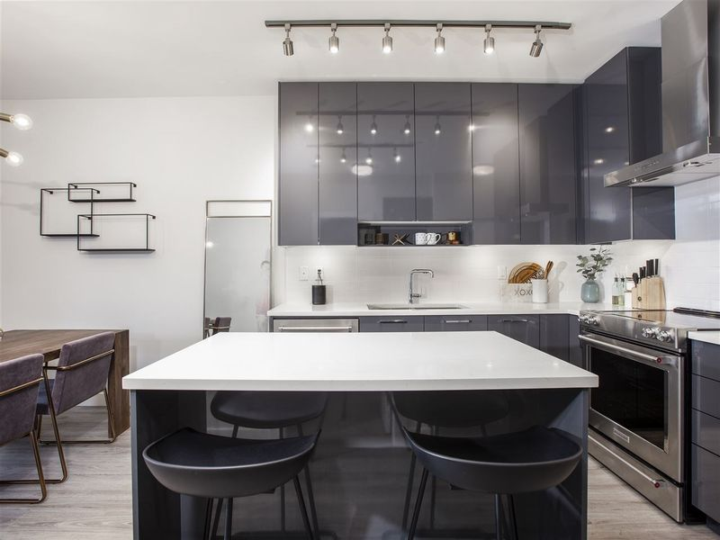 FEATURED LISTING: 405 - 1768 GILMORE Avenue Burnaby