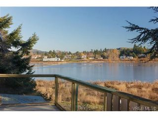 Photo 8: 4057 Grange Rd in VICTORIA: SW Strawberry Vale House for sale (Saanich West)  : MLS®# 717206