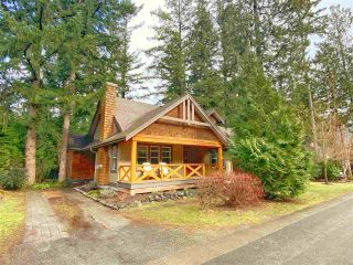 """Photo 1: 43565 RED HAWK Pass in Cultus Lake: Lindell Beach House for sale in """"THE COTTAGES AT CULTUS LAKE"""" : MLS®# R2540805"""