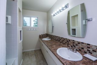 Photo 14: 689 SUMMIT Street in Prince George: Lakewood House for sale (PG City West (Zone 71))  : MLS®# R2371076