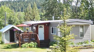 """Photo 2: 9 7128 OTWAY Road in Prince George: Cranbrook Hill Manufactured Home for sale in """"SOUTH SHORE TRAILER PARK"""" (PG City West (Zone 71))  : MLS®# R2598224"""