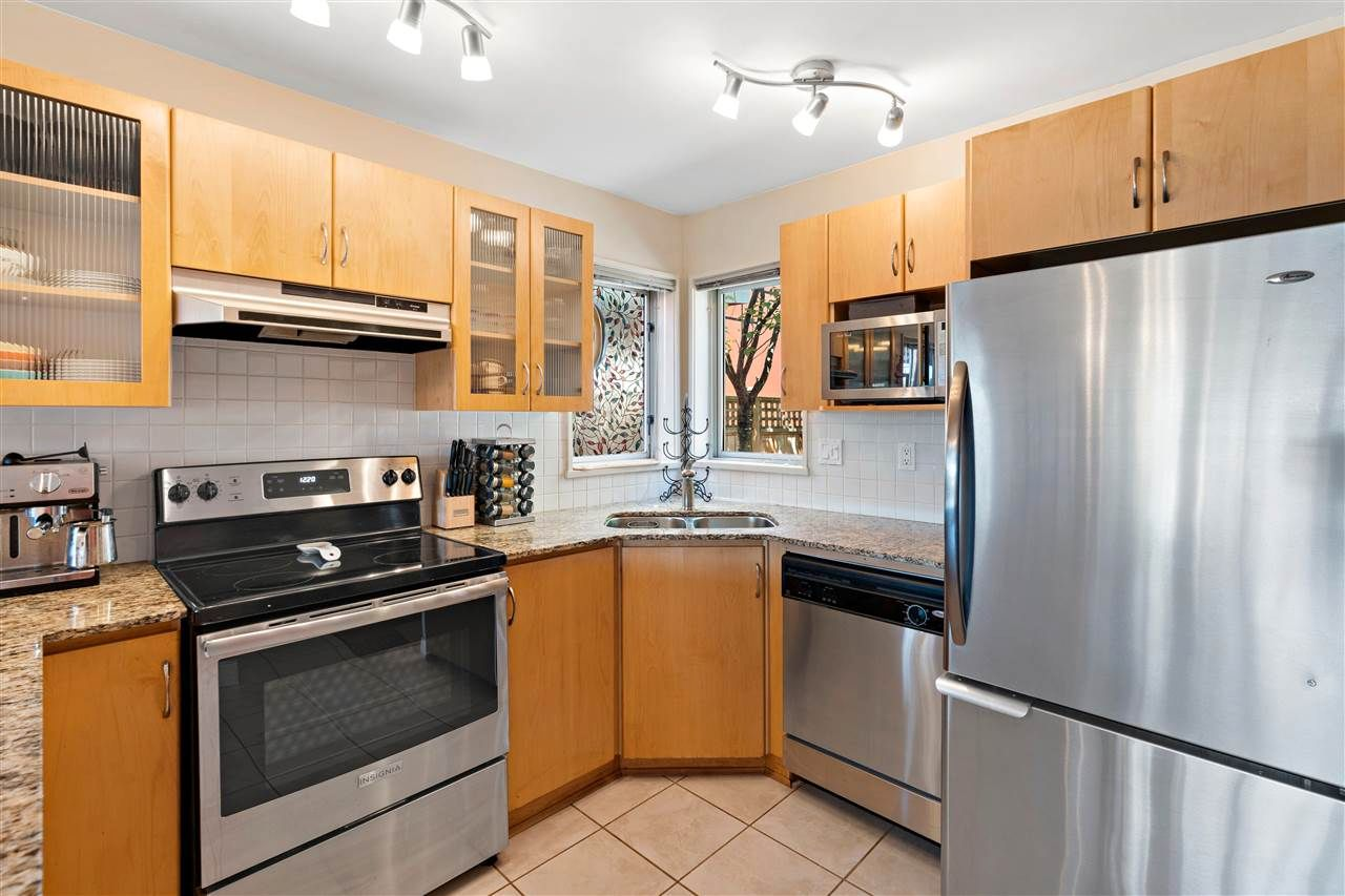 Photo 2: Photos: C 229 W 5TH Street in North Vancouver: Lower Lonsdale 1/2 Duplex for sale : MLS®# R2589308