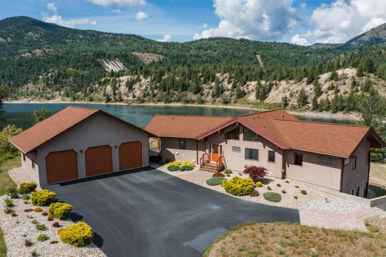Main Photo: 8735 HIGHWAY 22A in Trail: House for sale : MLS®# 2458880