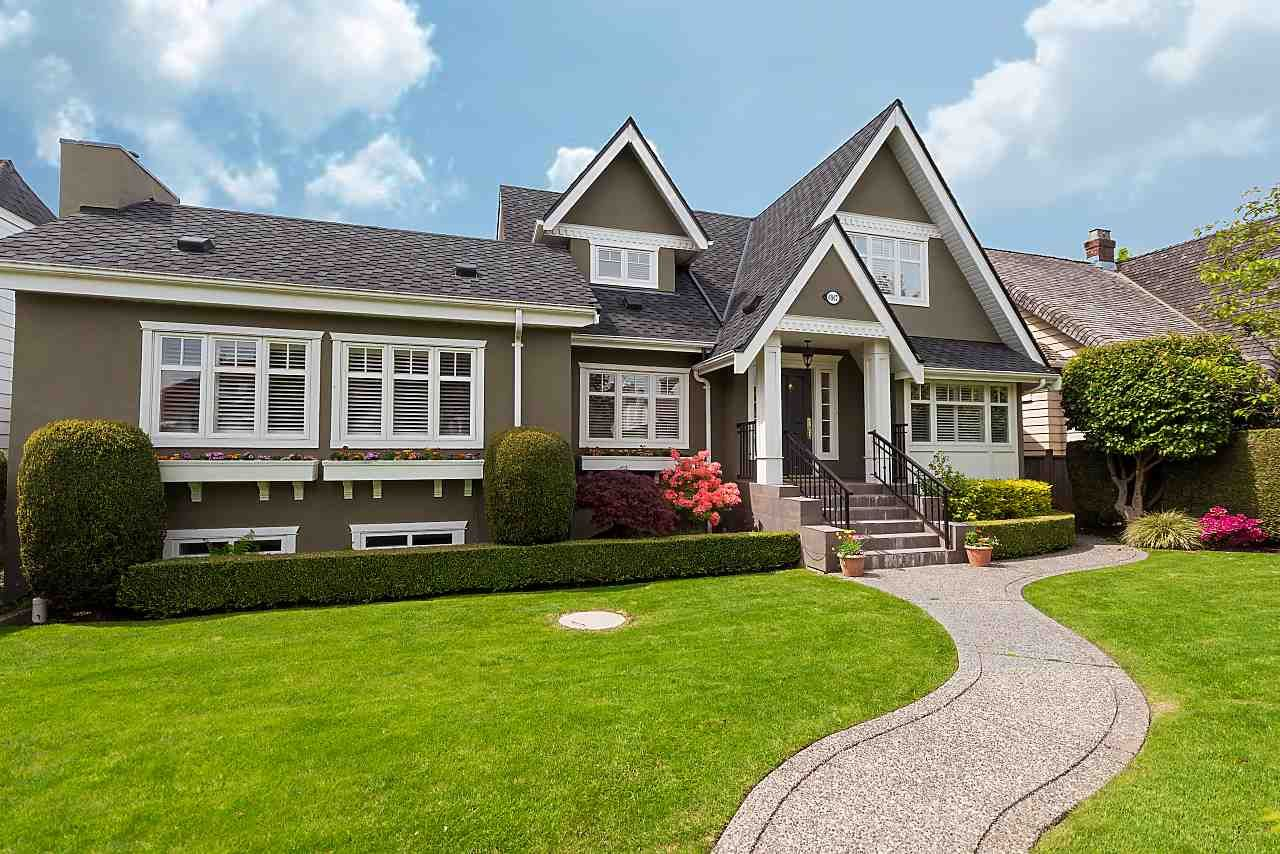 Main Photo: 6907 CYPRESS Street in Vancouver: Kerrisdale House for sale (Vancouver West)  : MLS®# R2368930