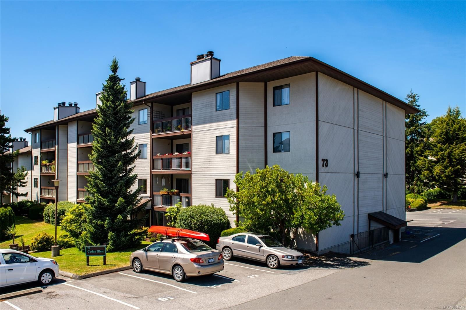 Main Photo: 205 73 W Gorge Rd in : SW Gorge Condo for sale (Saanich West)  : MLS®# 884742