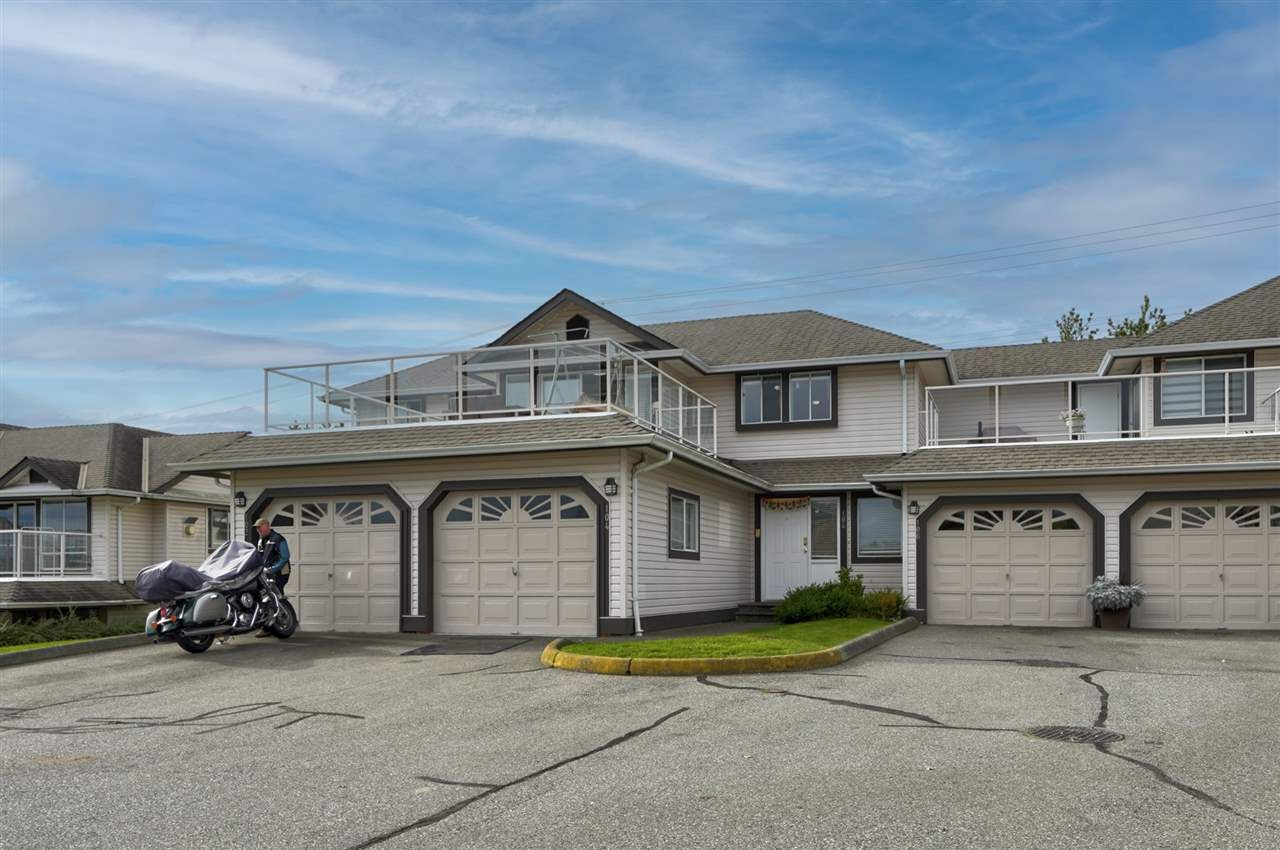"""Main Photo: 104 3080 TOWNLINE Road in Abbotsford: Abbotsford West Townhouse for sale in """"The Gables"""" : MLS®# R2513029"""