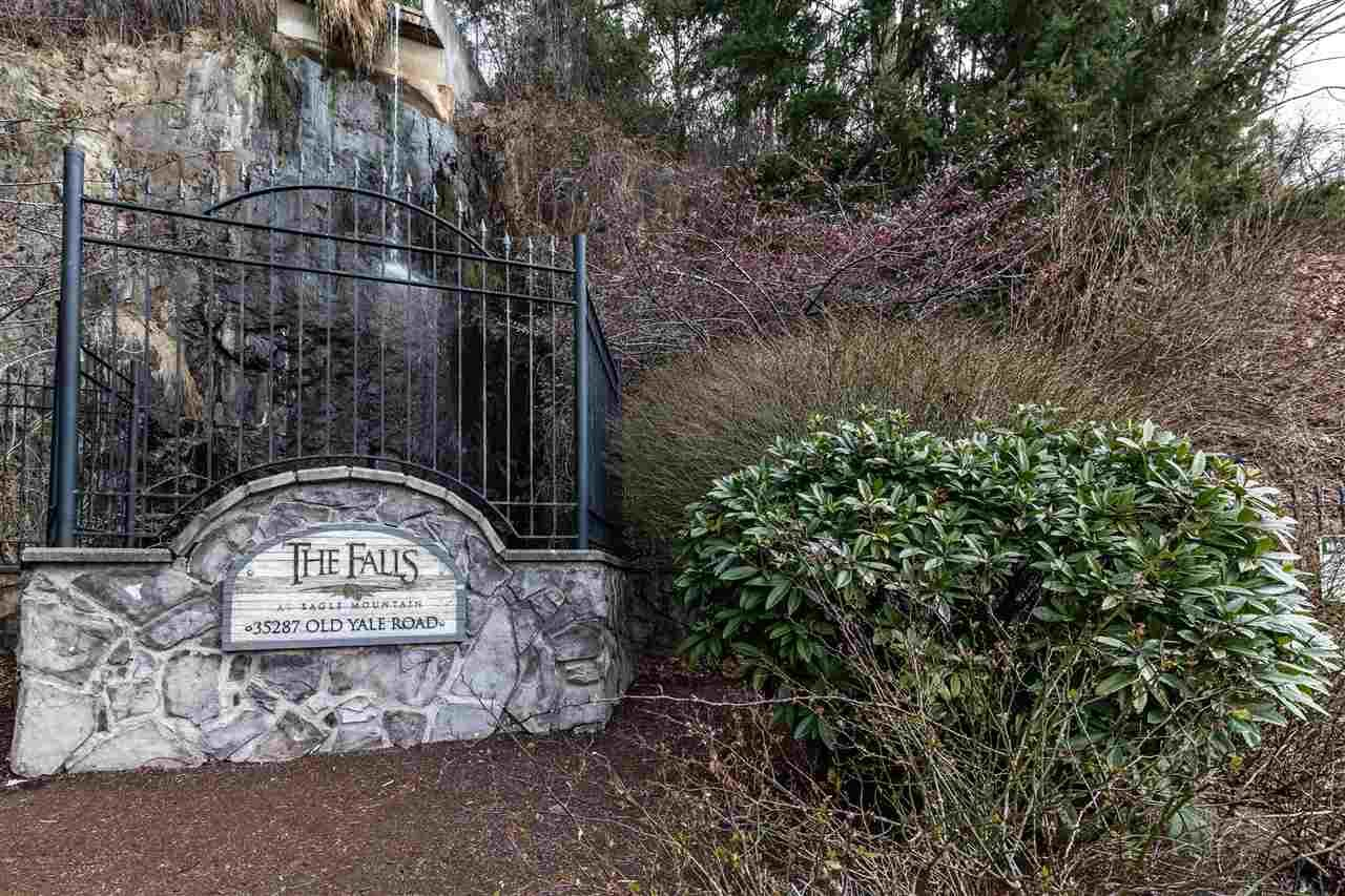 """Main Photo: 47 35287 OLD YALE Road in Abbotsford: Abbotsford East Townhouse for sale in """"THE FALLS"""" : MLS®# R2549471"""