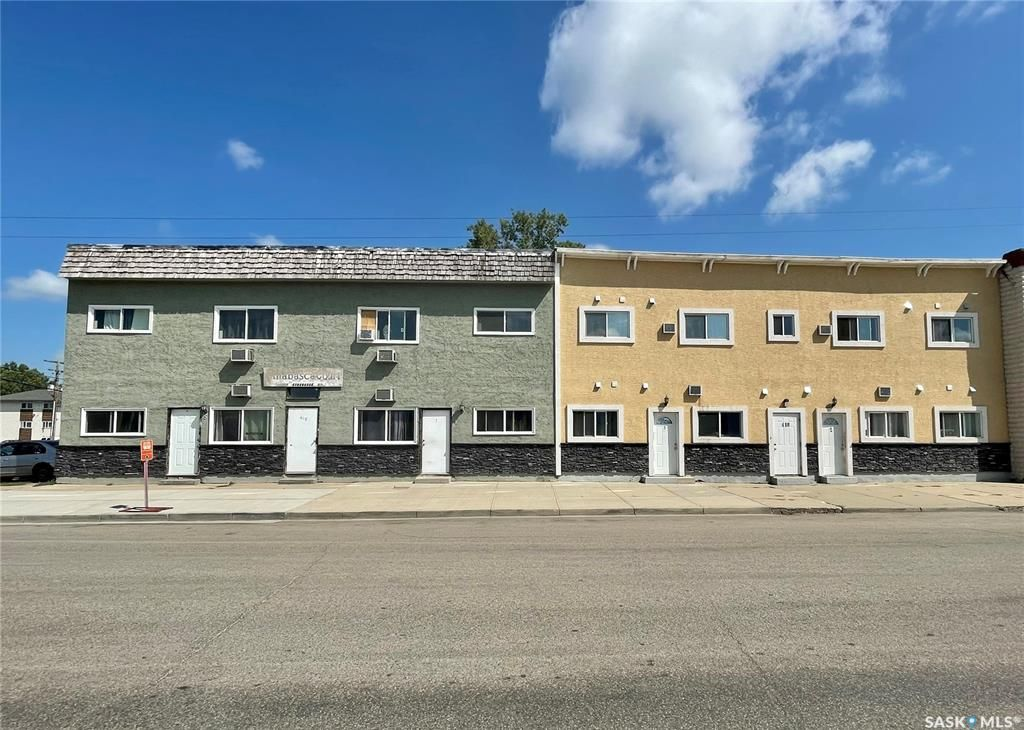 Main Photo: 412 - 418 Athabasca Street East in Moose Jaw: Hillcrest MJ Multi-Family for sale : MLS®# SK863249