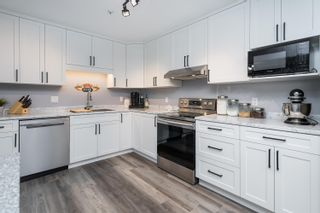"""Photo 13: 303 5909 177B Street in Surrey: Cloverdale BC Condo for sale in """"Carriage Court"""" (Cloverdale)  : MLS®# R2617763"""