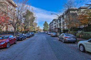 Photo 2: 304 2477 KELLY Avenue in Port Coquitlam: Central Pt Coquitlam Condo for sale : MLS®# R2421368