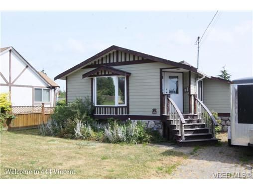 Main Photo: 444 Vincent Ave in VICTORIA: SW Gorge House for sale (Saanich West)  : MLS®# 674178