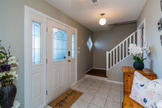 Photo 3: 6702 WESTMOUNT Crescent in Prince George: Lafreniere House for sale (PG City South (Zone 74))  : MLS®# R2453598