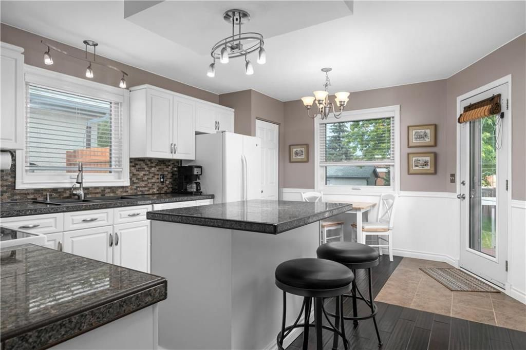 Photo 7: Photos: 1115 Waterford Avenue in Winnipeg: West Fort Garry Residential for sale (1Jw)  : MLS®# 202116113