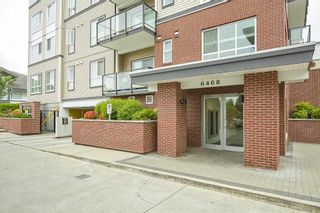 """Photo 2: 205 6468 195A Street in Surrey: Clayton Condo for sale in """"Yale Bloc Building 1"""" (Cloverdale)  : MLS®# R2456985"""