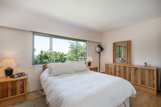 Photo 19: 555 LUCERNE Place in North Vancouver: Upper Delbrook House for sale : MLS®# R2599437