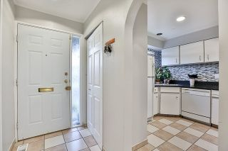 """Photo 2: 85 10760 GUILDFORD Drive in Surrey: Guildford Townhouse for sale in """"Guildford Close"""" (North Surrey)  : MLS®# R2222535"""