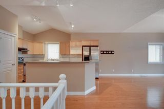 Photo 13: 212 SIMCOE Place SW in Calgary: Signal Hill Semi Detached for sale : MLS®# C4293353