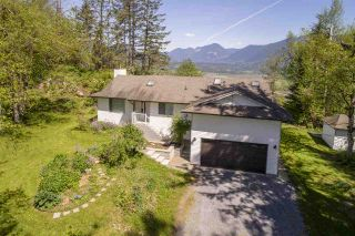 Photo 1: 34951 FERNDALE Avenue in Mission: Hatzic House for sale : MLS®# R2419657