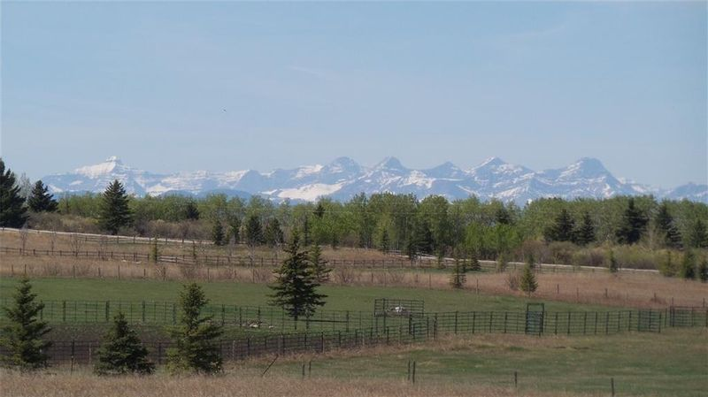FEATURED LISTING: 35164 262 Road Rural Rocky View County