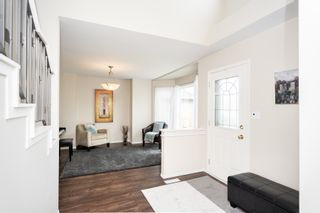 Photo 2: 87 William Gibson Bay in Winnipeg: Canterbury Park House for sale (3M)  : MLS®# 202011374