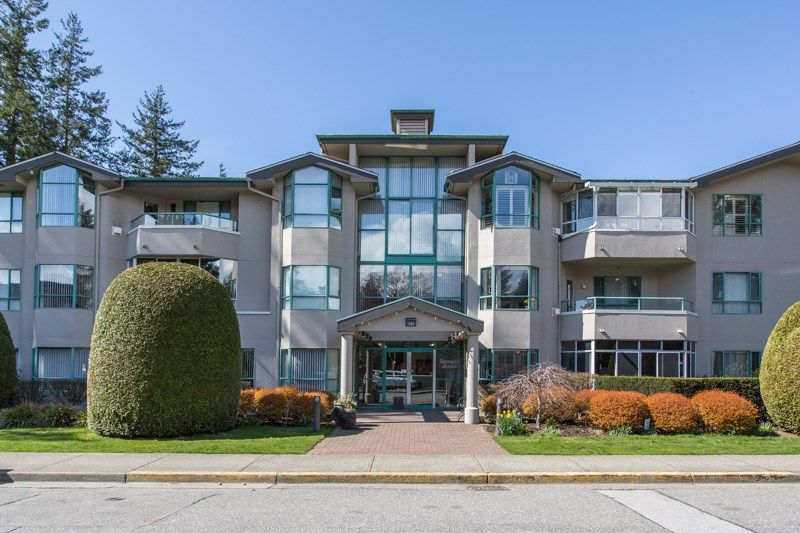 """Main Photo: 107 1569 EVERALL Street: White Rock Condo for sale in """"SEAWYND MANOR"""" (South Surrey White Rock)  : MLS®# R2448735"""