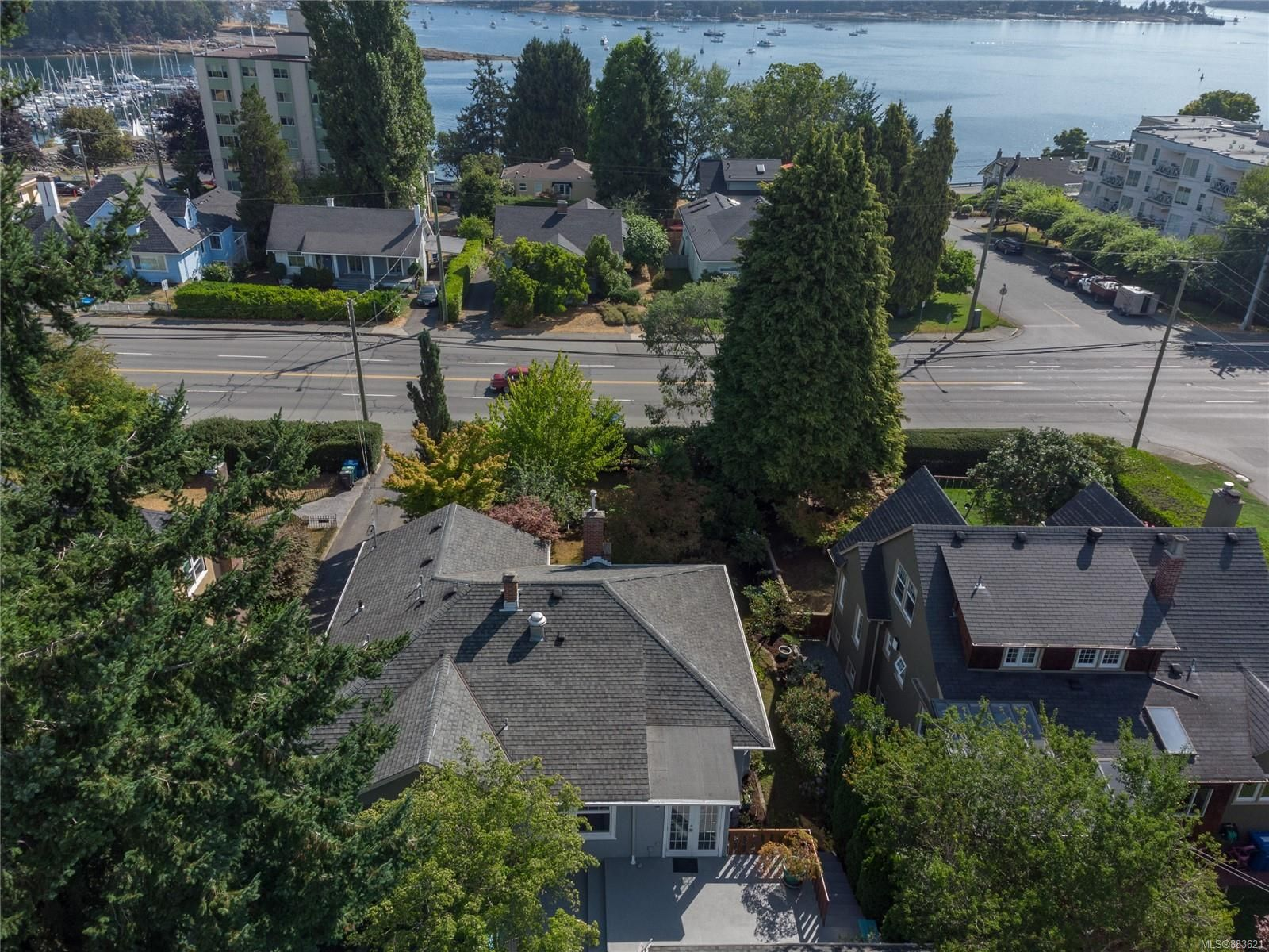 Main Photo: 225 Stewart Ave in : Na Brechin Hill House for sale (Nanaimo)  : MLS®# 883621