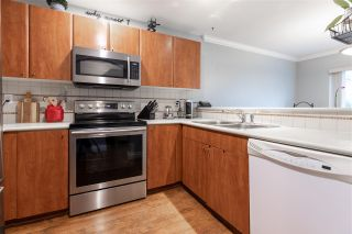 """Photo 2: 46 6450 199 Street in Langley: Willoughby Heights Townhouse for sale in """"Logans Landing"""" : MLS®# R2430527"""