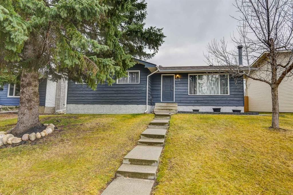 Main Photo:  in Calgary: Southwood Detached for sale : MLS®# A1047735