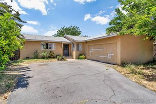 Photo 2: EAST ESCONDIDO House for sale : 4 bedrooms : 917 N Beech Street in Escondido