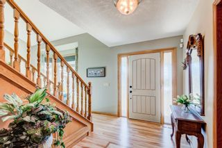Photo 4: 220 Edelweiss Place NW in Calgary: Edgemont Detached for sale : MLS®# A1090654