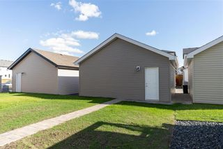 Photo 27: 20 Geneva Lane in Winnipeg: Bonavista Residential for sale (2J)  : MLS®# 202122131