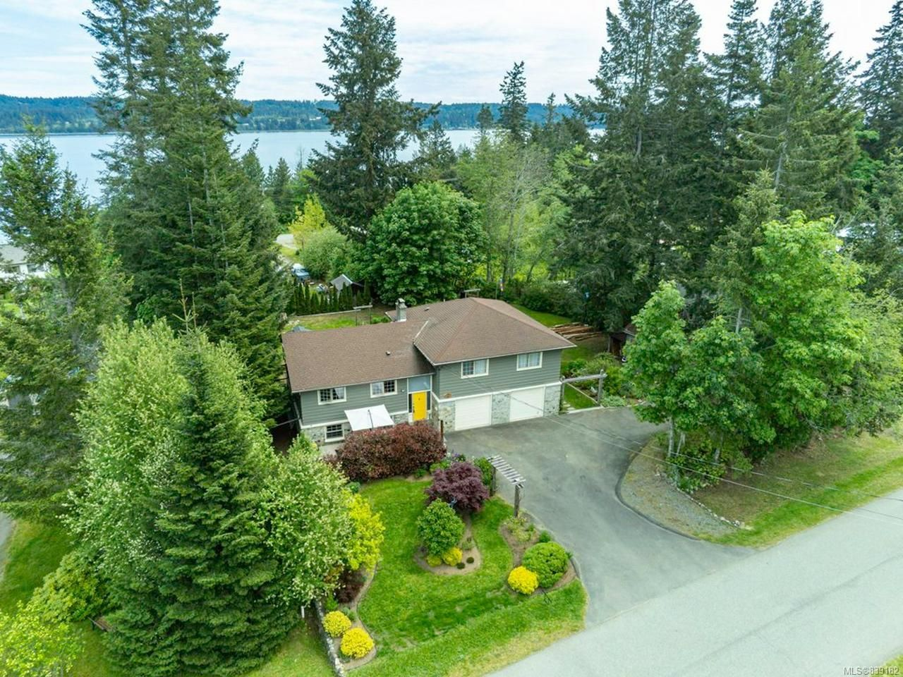 Main Photo: 6622 Mystery Beach Rd in FANNY BAY: CV Union Bay/Fanny Bay House for sale (Comox Valley)  : MLS®# 839182