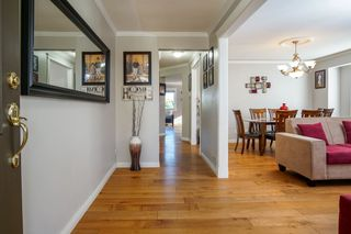 Photo 3: 31466 UPPER MACLURE Road in Abbotsford: Abbotsford West House for sale : MLS®# R2179311