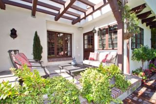 Photo 2: MISSION HILLS House for sale : 5 bedrooms : 4030 Sunset Rd in San Diego