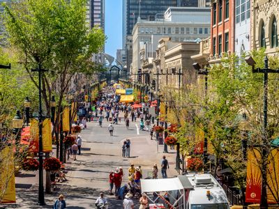 Stephen Avenue: Historically Enriched Entertainment District