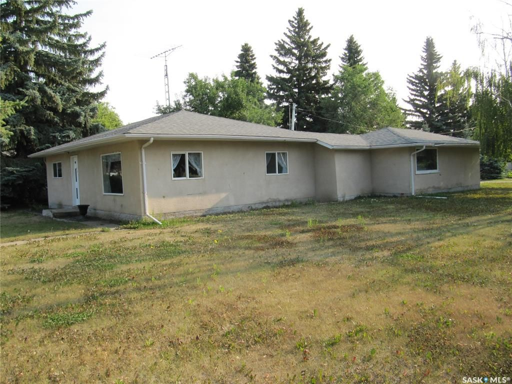 Main Photo: 400 Broad Street in Cut Knife: Residential for sale : MLS®# SK866968