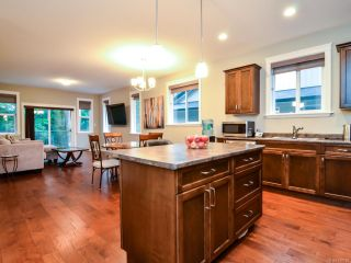 Photo 3: 2 1424 S ALDER S STREET in CAMPBELL RIVER: CR Willow Point Half Duplex for sale (Campbell River)  : MLS®# 780088