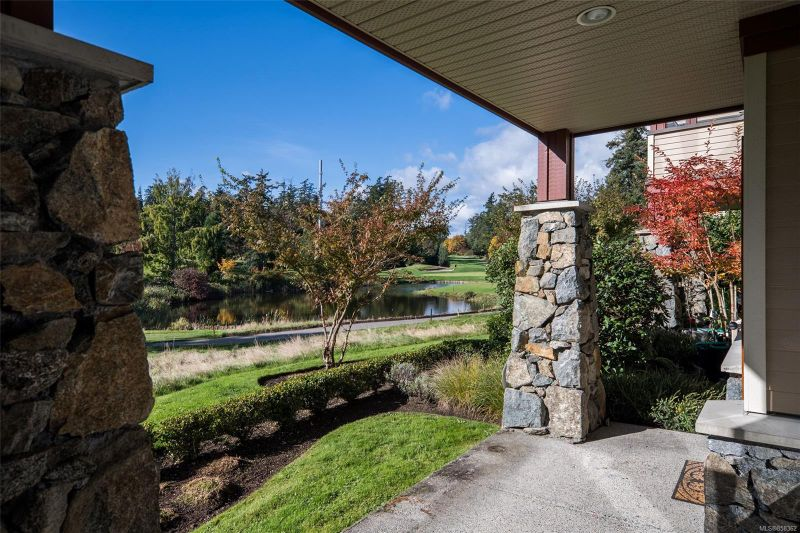 FEATURED LISTING: 103E - 1115 Craigflower Rd