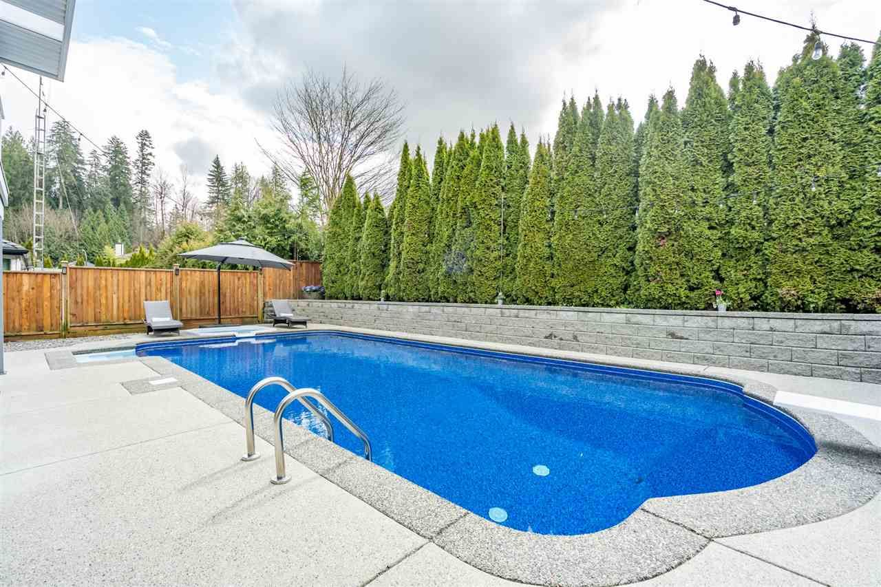 Photo 20: Photos: 23675 108 Loop in Maple Ridge: Albion House for sale : MLS®# R2447949