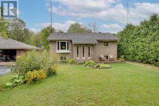 Main Photo: 1452 GILL RD in Springwater: House for sale : MLS®# S5368183