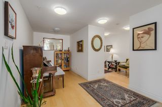 Photo 3: 602 133 E ESPLANADE in North Vancouver: Lower Lonsdale Condo for sale : MLS®# R2054454
