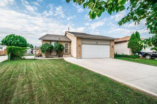 Photo 3: 102 Mount Auburn Bay in Winnipeg: Meadows West Single Family Detached for sale (4L)  : MLS®# 1718328