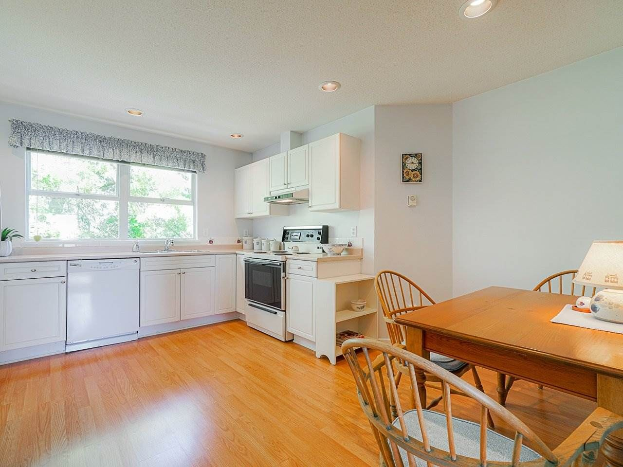 """Photo 27: Photos: 4 235 E KEITH Road in North Vancouver: Lower Lonsdale Townhouse for sale in """"Carriage Hill"""" : MLS®# R2471169"""