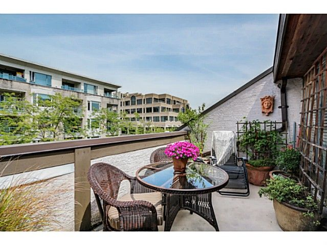 """Main Photo: 1724 CYPRESS Street in Vancouver: Kitsilano Townhouse for sale in """"CYPRESS MEWS"""" (Vancouver West)  : MLS®# V1083303"""