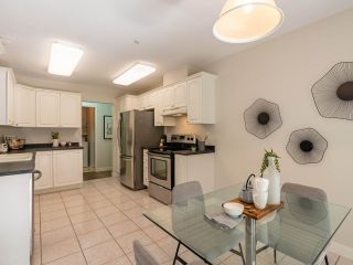 """Photo 15: 305 1150 LYNN VALLEY Road in North Vancouver: Lynn Valley Condo for sale in """"The Laurels"""" : MLS®# R2496029"""