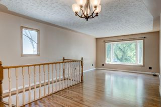 Photo 6: 6131 Lacombe Way SW in Calgary: Lakeview Detached for sale : MLS®# A1129548