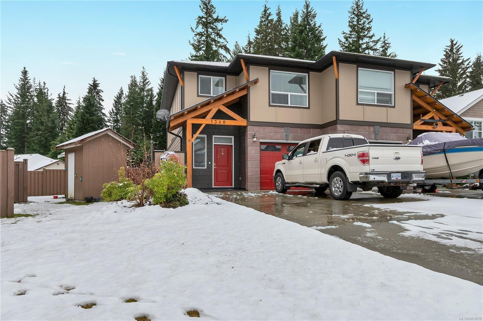 Main Photo: 2 1340 Creekside Way in : CR Willow Point Half Duplex for sale (Campbell River)  : MLS®# 863819