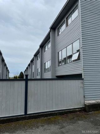 Photo 2: 8 8805 Central St in : NI Port Hardy Row/Townhouse for sale (North Island)  : MLS®# 875691